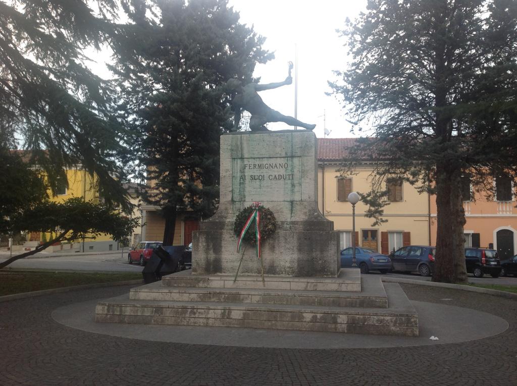 Monumento ai Caduti di Fermignano (PU)