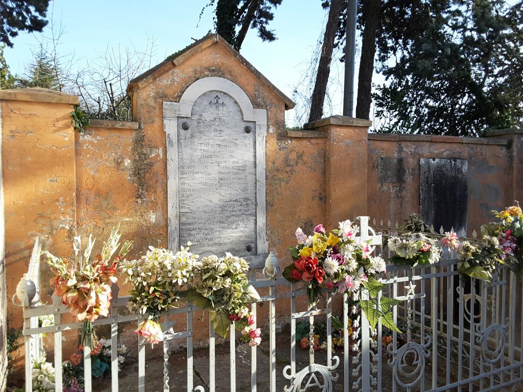 Lapide ai Caduti di Novilara nella Grande Guerra   Pietre ...