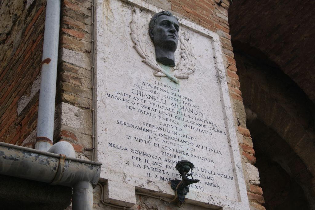 Lapide in memoria di Armando Chianelli