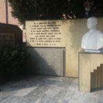 Busto di Don Lago e lastra commemorativa