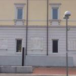 tre lapidi sulla facciata di Palazzo Negrelli