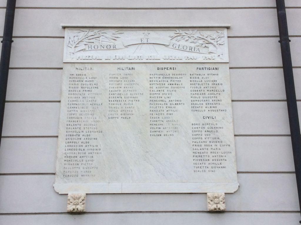 Lapide ai Caduti della seconda guerra mondiale
