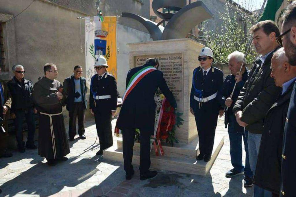 Terranova da sibari inaugurato monumento ai caduti della for Comune di terranova da sibari