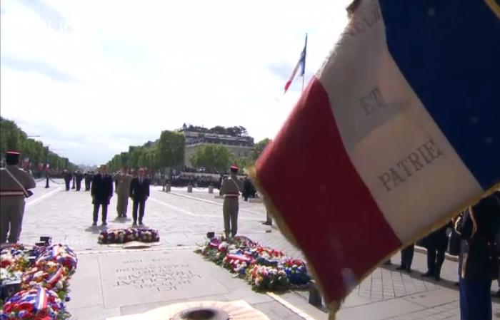 hollande macron francia fine seconda guerra mondiale omaggio ai caduti