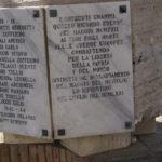 MONUMENTO DI PONTECUTI, PARTICOLARE LASTRA DI DESTRA