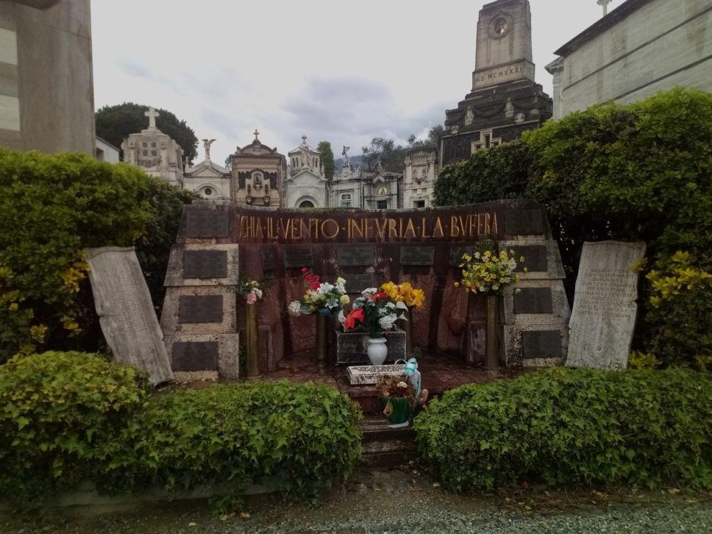 La Pietra Della Lavagna monumento ai caduti di lavagna guerra 1940-45 | pietre della