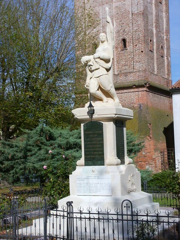 Il monumento dopo il restauro del 2009